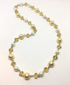 Yellow pearl and glass necklace