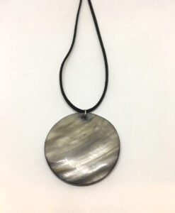 Black shell disk pendant necklace