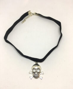 Skull and crossbones pendant choker